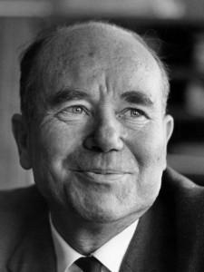 Aage V. Jensen, Tømrermester.